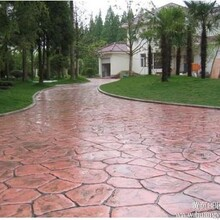 花园小路彩色路面艺术地坪压模地坪图片