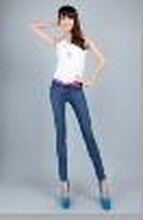 修身时尚提臀裤哪里拿货最便宜又质量最好?伊兰衣雅专业服装厂家大量低价批发女式提臀裤质量保障图片