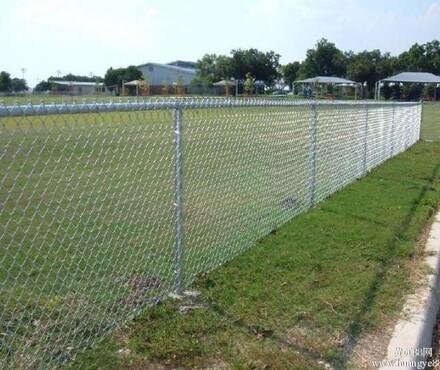 【太原体育场围网园林花坛隔离用勾花护栏网_体育场围网价格|图片】-