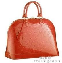 热忱为全国广大批发零售客户提供一比一品牌包包