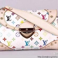 天津哪里有时尚同款LV包包一比一厂家货源批发。。图片