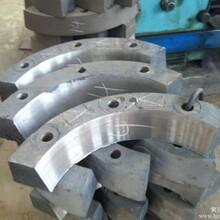 郑州400610对辊破碎机辊芯压块配件河南腾飞机械
