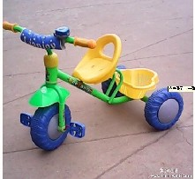 儿童三轮车图片