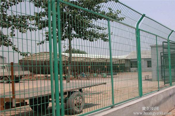 浸塑铁丝网宜昌框架护栏网十堰钢丝网围栏网