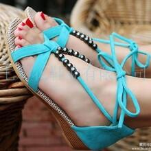 供应新款韩版罗马风串珠交叉绑带露趾平底低跟凉鞋女鞋