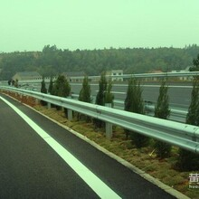 衢州波形护栏板生产厂家高速公路护栏板热镀锌公路防撞栏包安装