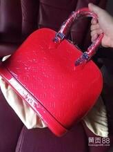天津有仿真LV女包看不出来假的包包在哪里代购