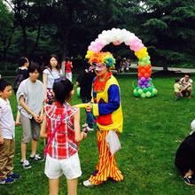承接舞龙舞狮威风锣鼓表演音响租赁气球小丑派送气球拱门制作